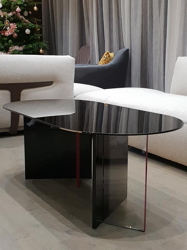 mobilier sticla - masa din sticla neagra